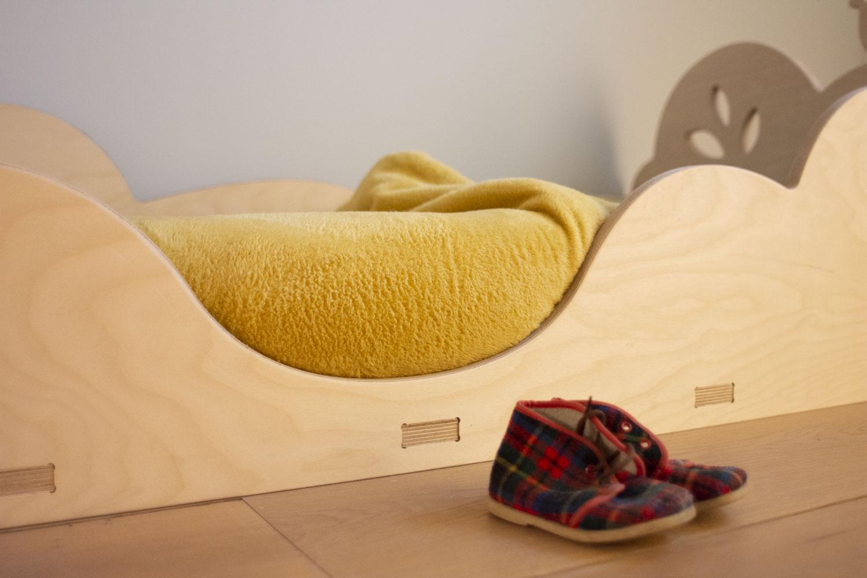 Elysta.be - LD - lit d'inspiration montessori - détail chaussures